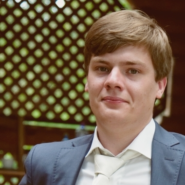 Олег Мешков