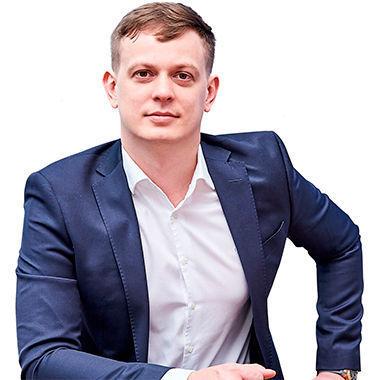 Максим Серяков