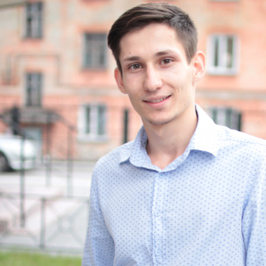 Антон Устименко