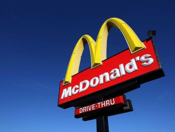 эмблема сети ресторанов Макдональдс